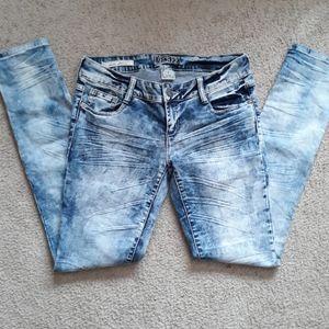Super Skinny Decree Acidwash Jeans